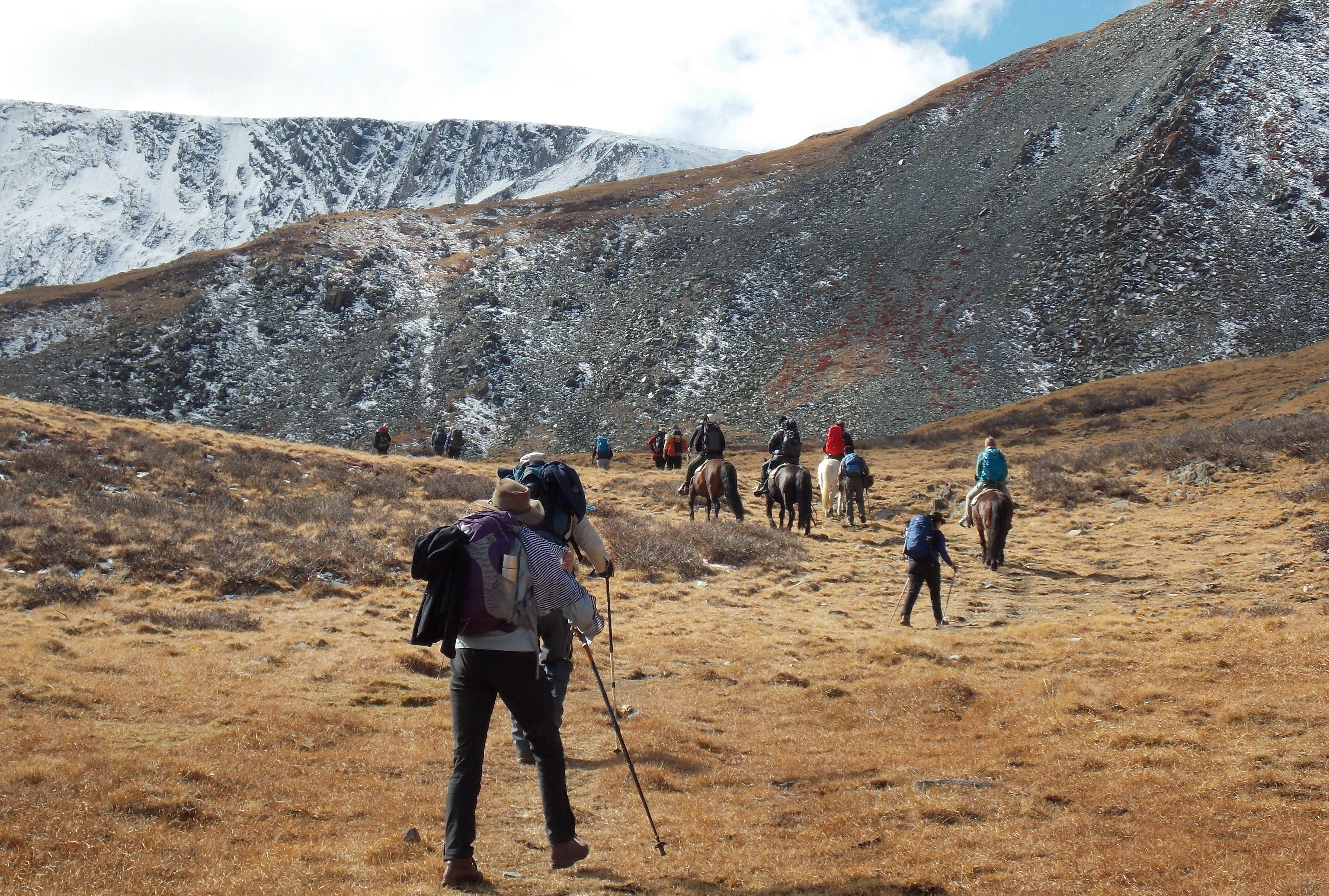 Altai trekking tour in western mongolia